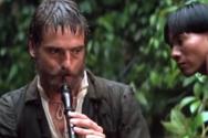 영화 '미션'에서 가브리엘 신부가 오보에를 연주하는 모습 ⓒ스틸컷