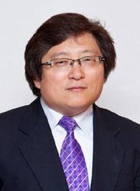 그레이스미션대학교의 행정처장인 제임스 구 교수
