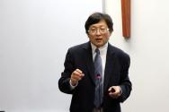 비영리 단체 설립 및 세금 면제 절차에 설명하는 그레이스미션대학 제임스 구 교수