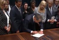 지난 5월, 조지아주 브라이언 켐프 주지사가 심장박동법에 서명하고 있는 모습. ⓒ유튜브 영상캡쳐
