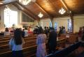 뉴욕예일장로교회 성도들이 사회적 거리를 유지하면서 예배를 드리고 있다.