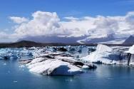 빙하 호수에서 유빙 사이를 누비며 불과 얼음의 땅 아이슬랜드의 매력을 느껴볼 수 있다.