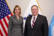 미국 켈리 크래프트 유엔 대사(왼쪽)와 미국 국무부 마이크 펨페이오 장관