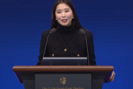 2020 다니엘기도회 8일차 집회에서 신앙으로 고난을 극복하고 있다고 간증한 배우 오윤아 씨 ©유튜브 캡쳐화면