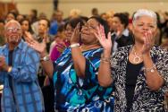 UMC의 한 교회에서 흑인 기독교인들이 예배를 드리고 있다.