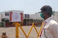 백신을 맞기 위해 백신 센터를 찾은 인도인이 백신 공급 부족으로 발길을 돌리고 있다. ©BBC 뉴스