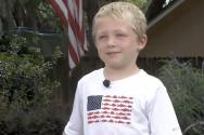 체이스 파우스트가 지난달 28일 플로리다 주 잭슨빌의 세인트 존스 강에서 조류에 휩쓸린 아버지와 여동생을 구조하기 위해 한 시간 동안 수영을 해 해안에 도달하고 도움을 받았다. ©News4JAX 유튜브 캡처