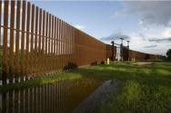 텍사스주에 설치된 미국-멕시코 국경 장벽. ⓒ트위터