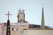 한 교회의 십자가 첨탑(상기 사진은 본 기사 내용과 직접적 연관 없음).