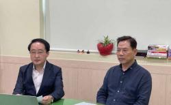 기자회견 중인 예자연 손현보 목사와 김영길 목사(오른쪽부터). ⓒ예자연