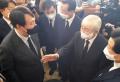 윤석열 전 검찰총장(맨 왼쪽)이 15일 故 조용기 목사 조문소를 찾았다. 그는 이 자리에서 김장환 목사(오른쪽 아래에서 두 번째) 등 목회자들을 만나 인사를 나눴다. ©김진영 기자