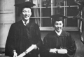 1958년 순복음신학교 제4회 졸업식에서 최자실 전도사와 함께한 조용기 목사. ⓒ여의도순복음교회