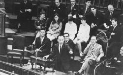 1967년 영국 웨스트민스터 센트럴홀에서 설교하는 조용기 목사. ⓒ여의도순복음교회