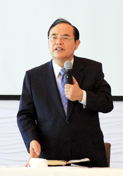 2021년 다민족연합기도회를 설명하는 대회장 한기홍 목사