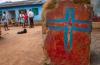 인도의 기독교인들이 칸다말 지역의 재건된 교회에서 만나고 있다. 2008년 이 지역의 거의 모든 교회는 힌두 민족주의자들에 의해 파괴됐다.
