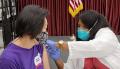 참가자들은 이른 시간부터 시니어센터 입구에 줄을 서 코로나 19 상황에서 독감 예방주사에 대한 높은 관심을 나타냈다.