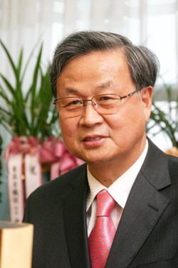 김홍기 신임 총장.
