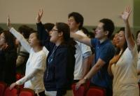 예배 드리고 있는 청년부들.ⓒ열린문교회