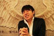 개그맨 유상무가 첫 CCM 앨범 발매에 감사하며 자신의 트위터에 한 장의 사진을 올렸다.  ©유상무 트위터