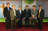 신임원진(왼쪽부터 오웬 리 목사, 최재근 장로, 최순철 목사, 임철성 목사, 김동우 목사, 한상우 목사).